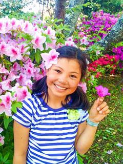 花と女の子の写真・画像素材[1054535]
