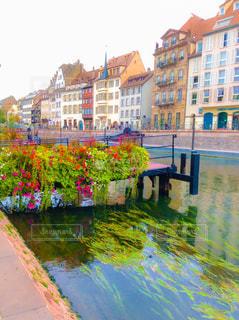 都市を流れる川の写真・画像素材[1850462]