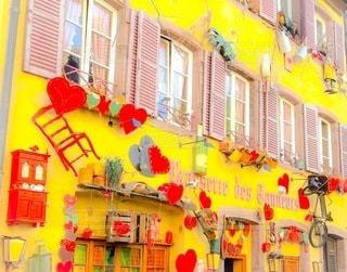 黄色い壁の建物の写真・画像素材[3341984]
