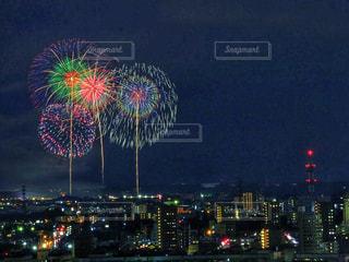 夜空の花火の写真・画像素材[1311711]