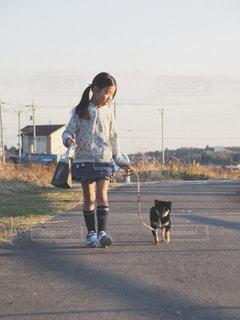 私と犬フォトの写真・画像素材[2006390]