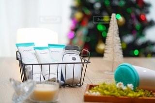 屋内,テーブル,flower,玉ボケ,クリスマスツリー,スキンケア,毛穴,プロアクティブ,ニキビケア,プロアクティブアンバサダー