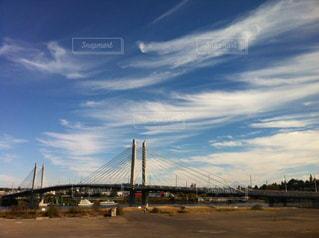 近くの橋の上の写真・画像素材[1052385]
