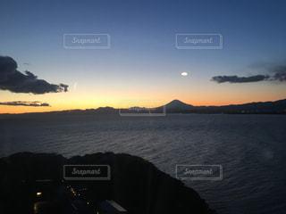 海と夕陽と黄昏の写真・画像素材[1033245]