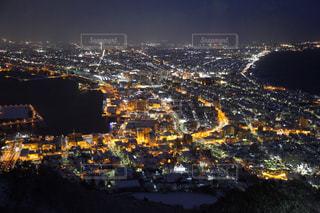 夜の街の景色の写真・画像素材[1036926]
