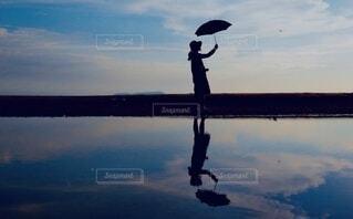 水面鏡の写真・画像素材[3693960]