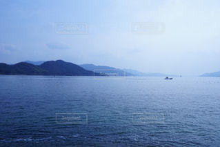 自然,風景,海,空,波,船,山,冬の海