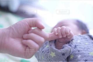 赤ちゃんの手の写真・画像素材[1197851]
