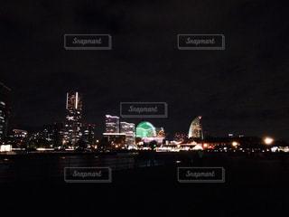 夜の街の景色の写真・画像素材[1041397]