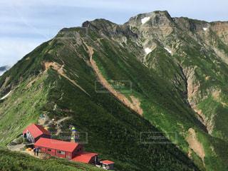 山の中の山小屋。の写真・画像素材[1043225]
