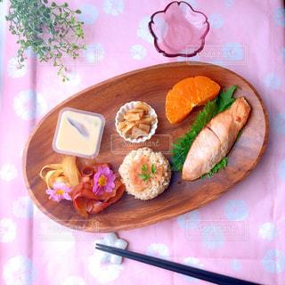 春 ワンプレート ランチ 和食の写真・画像素材[1052266]