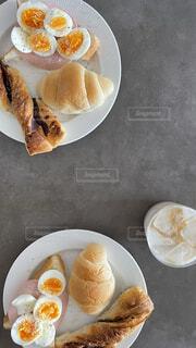 食べ物,コーヒー,食事,カップル,朝食,フード,パン,皿,夫婦,カップ,料理,おいしい,たまご,ミルク,菓子,レシピ,ファストフード,飲食,ブレックファスト,ペストリー