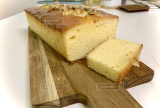 自家製♪レモンと白い蜂蜜のパウンドケーキの写真・画像素材[3302493]