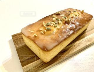 自家製*レモンと蜂蜜のパウンドケーキの写真・画像素材[3302497]