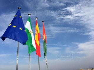 曇りの日の旗の写真・画像素材[1121945]