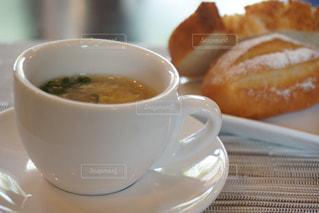 スープで朝ごはんの写真・画像素材[1148090]