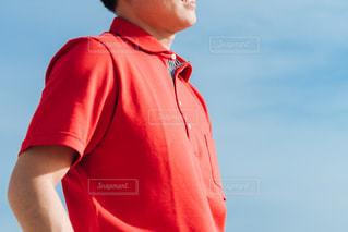 青に映えるシャツの写真・画像素材[2169167]
