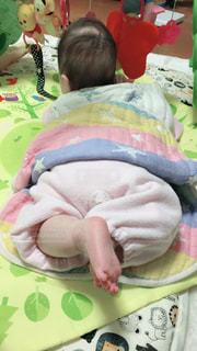 ハイハイしている赤ちゃんの写真・画像素材[1043614]