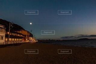 自然,風景,空,夜,夜空,屋外,星空,ビーチ,水面,海岸,景色,月,満月,月明かり,中秋の名月