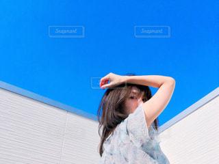 青空ポートレートの写真・画像素材[1095293]