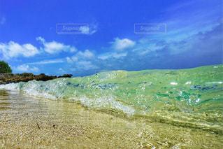ガラスのような海の写真・画像素材[1319779]