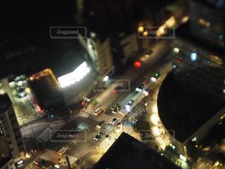 夜、トラックの鉄道の写真・画像素材[1043831]