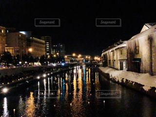 冬の小樽運河の夜景の写真・画像素材[1043975]
