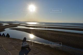 女性,1人,風景,空,夕日,屋外,太陽,ビーチ,水面,海岸,光,真玉海岸
