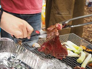 トレイの上の食糧の調理人の写真・画像素材[1219034]