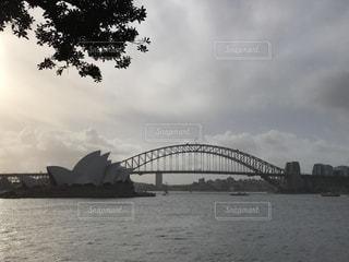オペラハウスとハーバーブリッジの写真・画像素材[1049256]