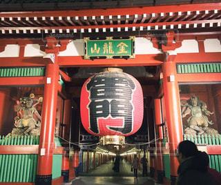 浅草の夜の雷門の写真・画像素材[1046831]