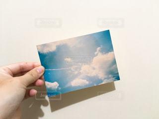 近くに一枚の紙のアップの写真・画像素材[1233701]