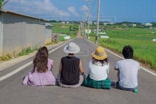女性,男性,風景,後ろ姿,沖縄,田舎,人物,背中,後姿,奥行き,シュガーロード