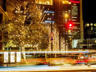 夜景,残像,イルミネーション,都会,テールランプ,信号,レーザービーム,グランフロント,アンバサダー,グランフロント大阪,シャンパンゴールド