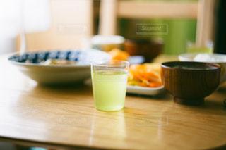 食べ物,食事,日常,テーブル,グラス,料理,暮らし,生活,緑茶,日本茶