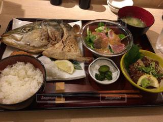 食べ物,秋,食事,魚,屋外,美味しそう,料理,外食,定食,美味しい,食,美味,食欲,カマ,秋の味覚