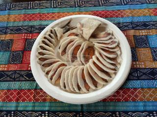 皿の上の食べ物の写真・画像素材[1073978]