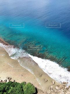 海の横にある水します。の写真・画像素材[1051329]