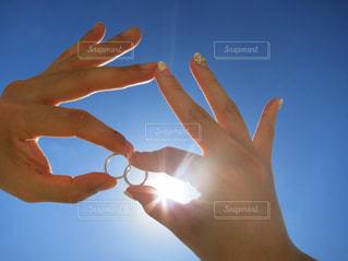 快晴の空に指輪の写真・画像素材[1130564]