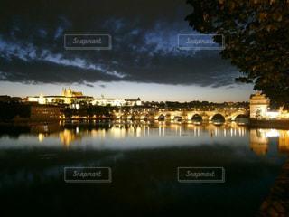 プラハの夜の写真・画像素材[1198665]