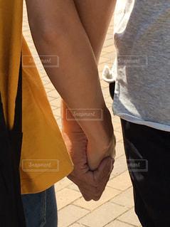 夫婦でお出掛けは仲良くの写真・画像素材[1054170]