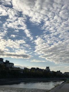 朝の鴨川の写真・画像素材[1682752]