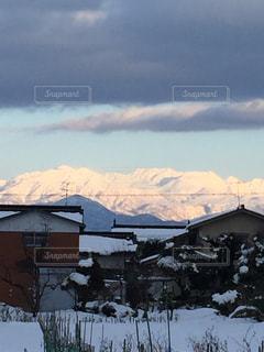 雪に覆われた山の写真・画像素材[1769235]