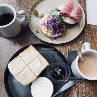 食品とコーヒーのカップのプレート - No.1056859