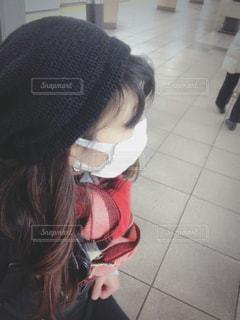 毎日マスクで電車待ちの写真・画像素材[1061014]