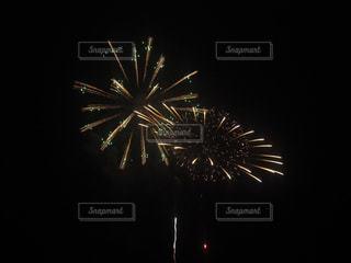 空に花火の写真・画像素材[1197104]