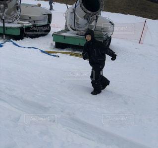 男性,子ども,1人,アウトドア,スポーツ,雪,人物,笑顔,ゲレンデ,レジャー