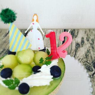プレートに飾られたケーキの写真・画像素材[899202]