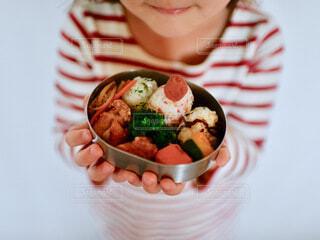 食べ物,お弁当,手持ち,人物,おいしい,ポートレート,暮らし,幼稚園,ライフスタイル,手元,食育,幼稚園弁当