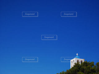 サントリーニ島の青空の写真・画像素材[1095543]